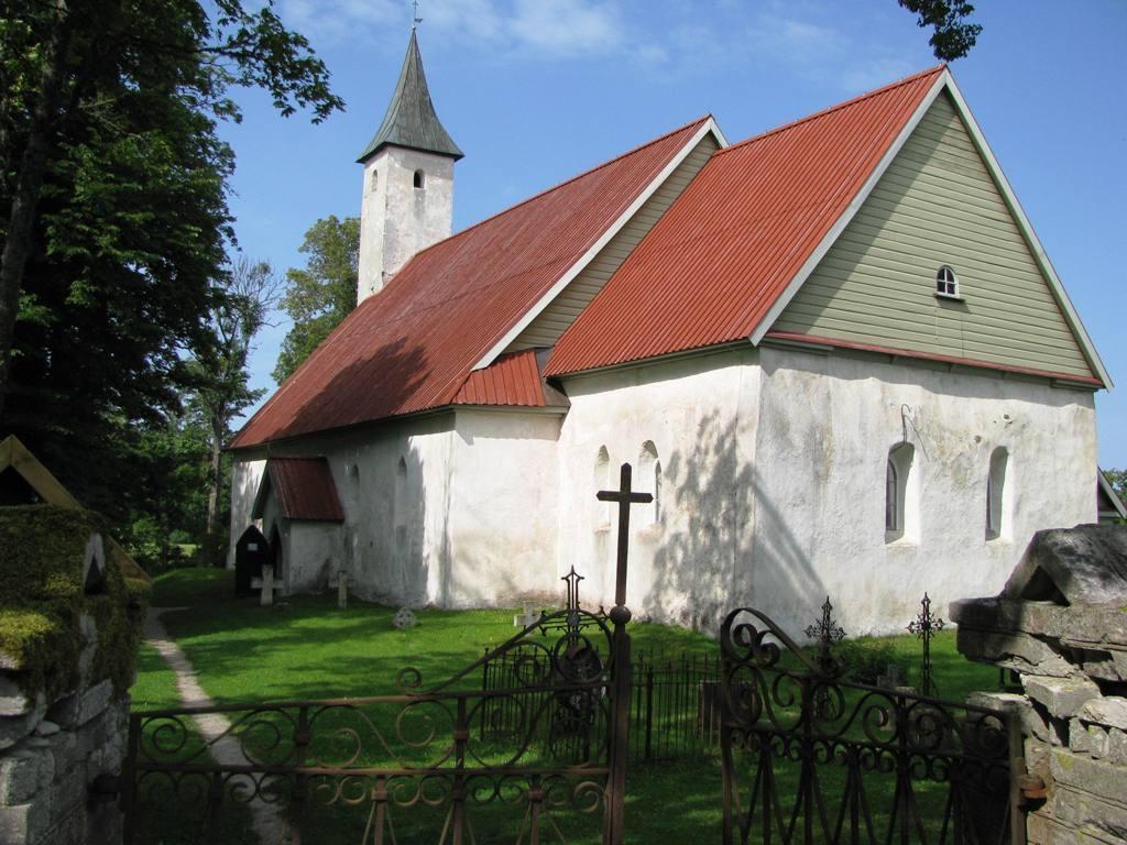 noarootsi kirik spithami puhkemajad